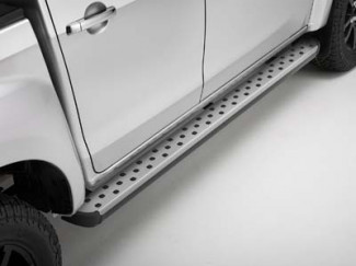 D-MAX HEAVY DUTY SIDE STEPS